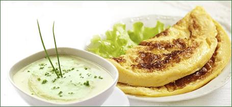Tato chutná polévka a křehká omeleta byly připraveny z přípravku KetoFit