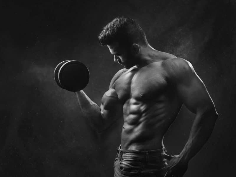 Víte, že existuje liposukce prsou u mužů?