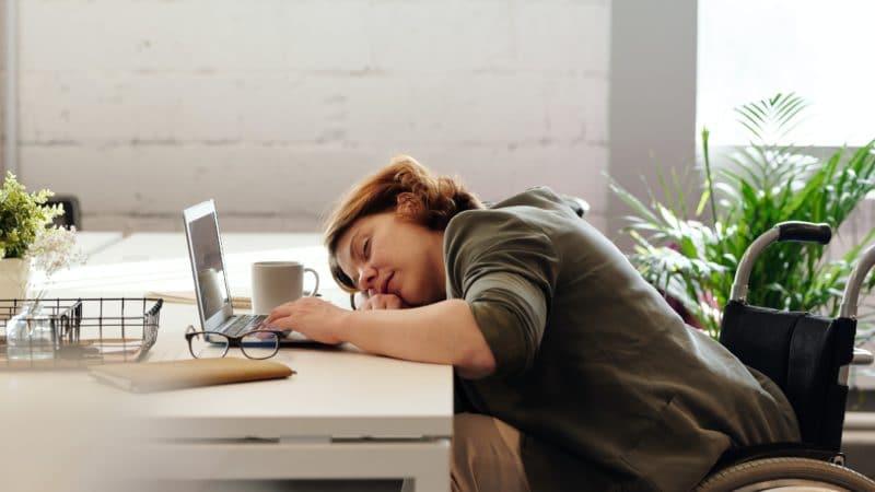 Melatonin – hormon spánku | Jak ho užívat a nežádoucí účinky