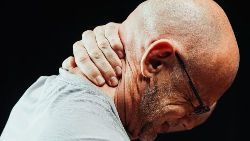 Artróza krční páteře: Příznaky, příčiny, diagnostika a léčba